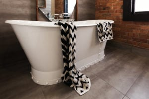 8 Types of Bathtubs to Choose From for Your Bathroom