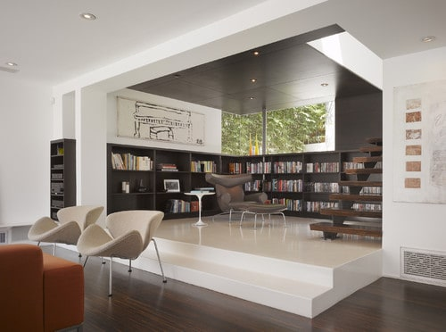 A modern type of home with a medium-sized reading nook. The materials used have neutral colors, creating a minimalistic aesthetic.