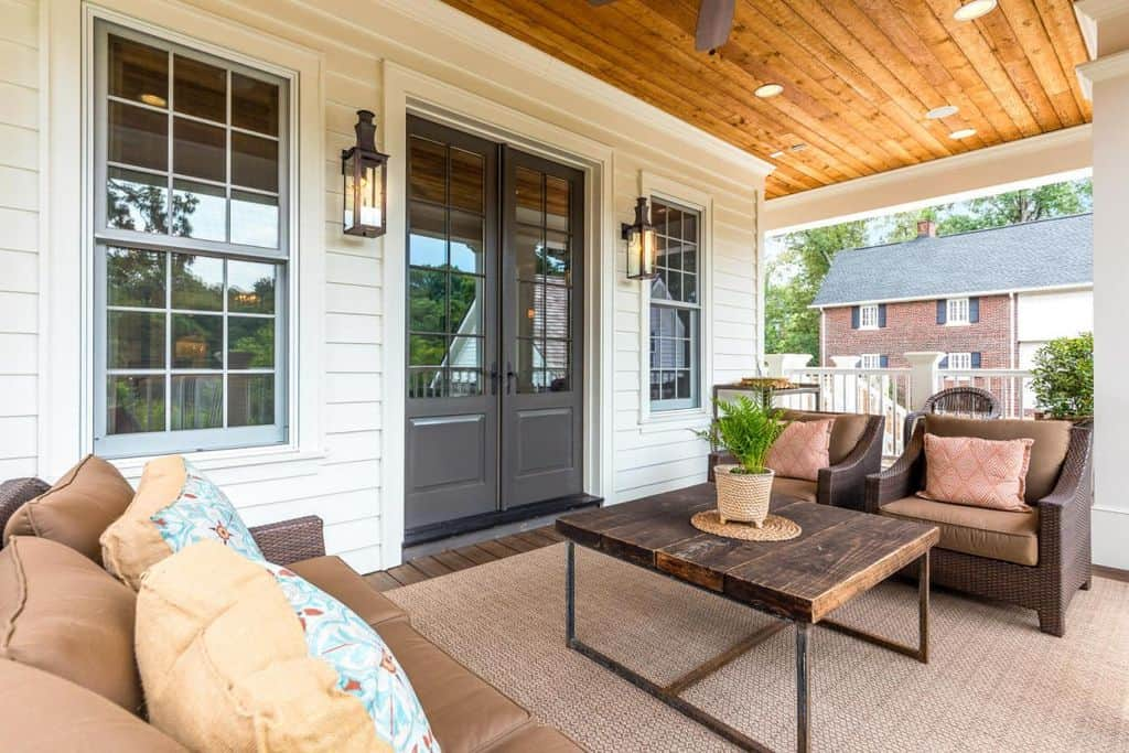 101 front porch ideas for 2018 pictures for Home design ideas zillow