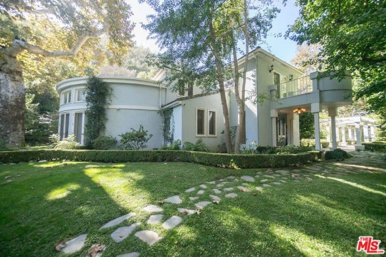 The tennis legend's Bel Air mansion is a 1935-built traditional-style house.