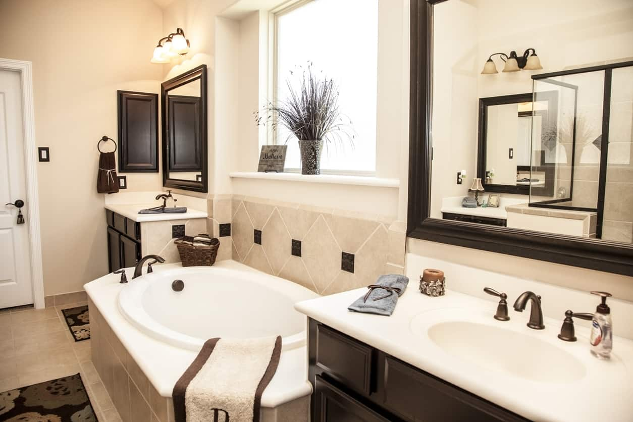 Traditional style master bathroom example