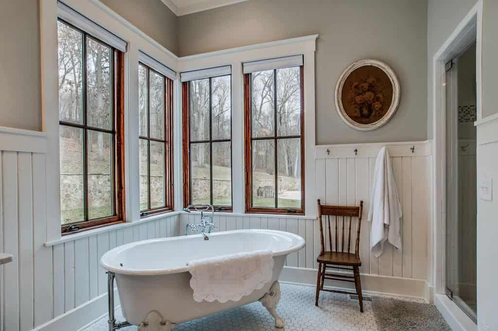 Farmhouse style master bathroom