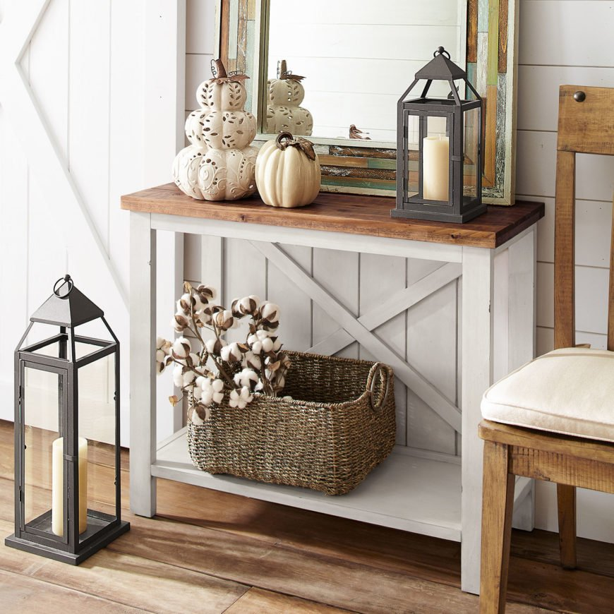 Chic farmhouse-style table.