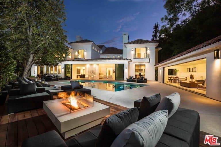 Another Stunning Highlight Of Eva Longoriau0027s Beverly Hills Estate Is The  Garden That Has A Swimming Pool And Outdoor Seating Area, An Al Fresco  Kitchen, ...