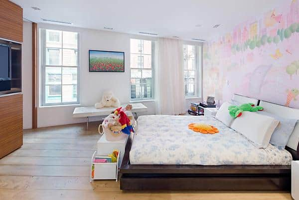 One Of Taylor Swiftu0027s Houseu0027s Bedroom Has Pink Wall Art Designs And A Wide  Television, Single Hung Glass Windows And Hardwood Flooring.Source: Trulia
