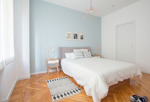 https://www.homestratosphere.com/wp-content/uploads/2017/12/hz-scandinavian-master-bedroom-12-121317.jpg