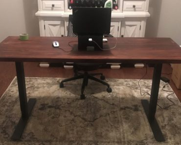 Finished result of DIY adjustable standing table desk