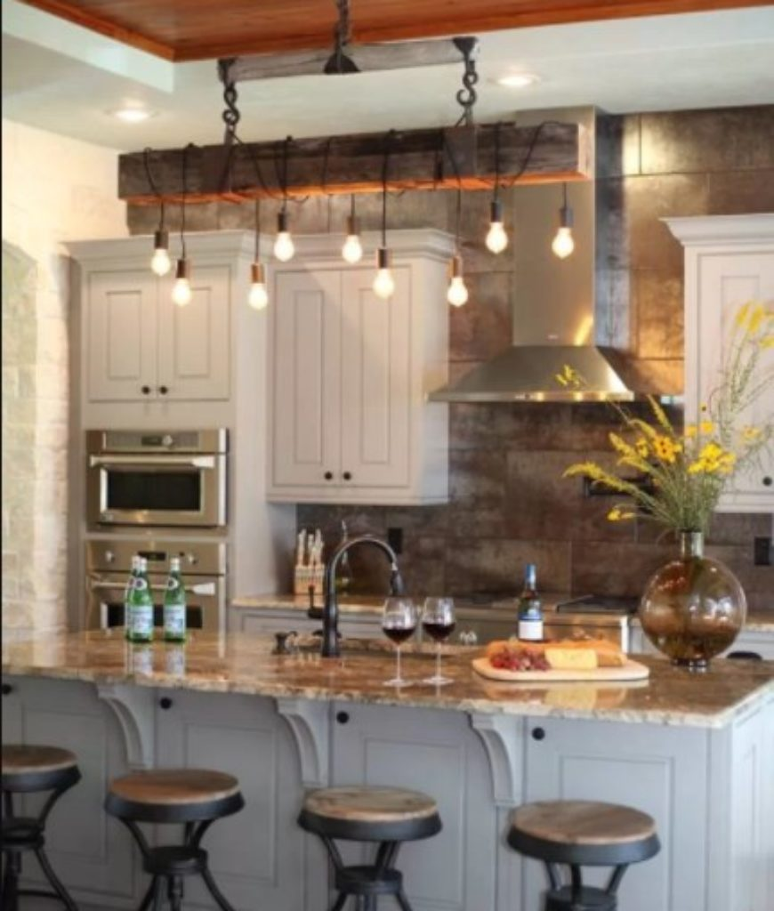 Cottage kitchen with elegant pendant lighting.