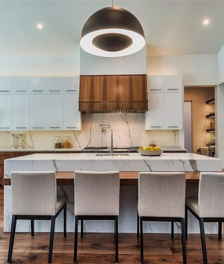 kris-jenner-kitchen-dining-tr-012518