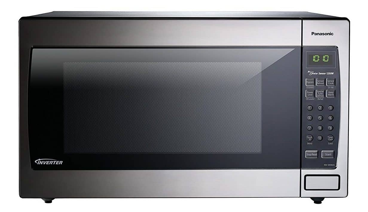 Inverter counter-top microwave oven with advanced turbo defrost and automatic sensor system.