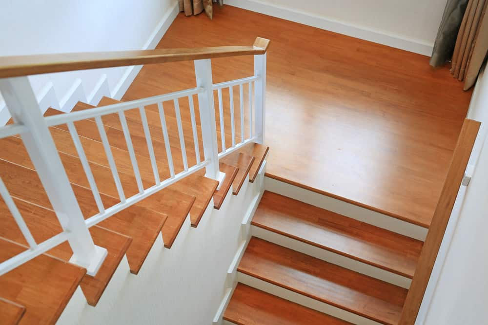B) Plain Staircase Baluster