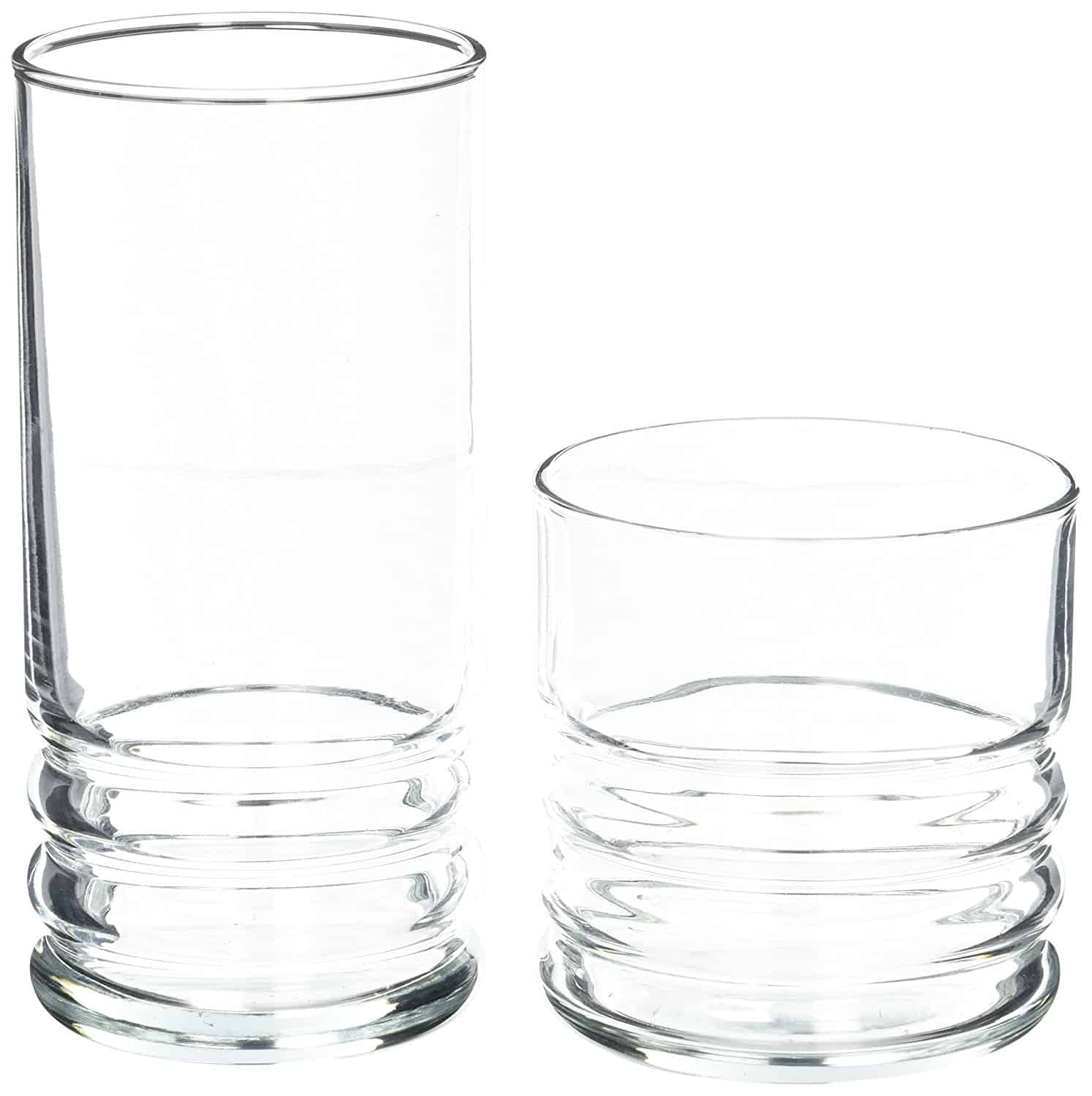 Small and large set of daily glassware with a dishwasher safe feature.