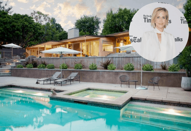 Kristen Wiig Buys Mid-Century Pasadena Home ($2.96M)