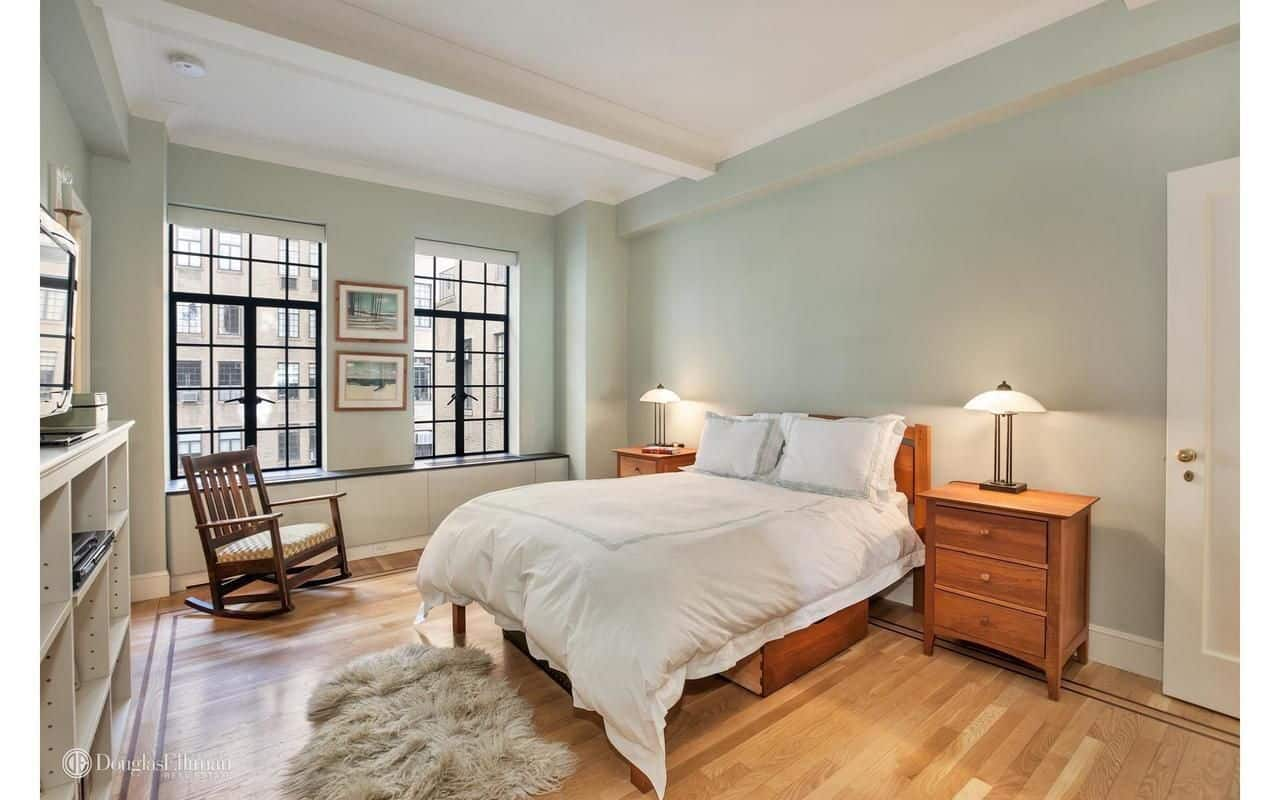 The bedroom looks simple, but with the light-finished walls, hardwood flooring and well-made bed, the room becomes the perfect place for the star actor.