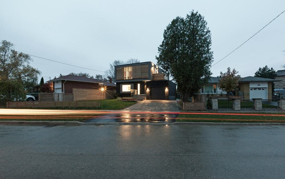 Another look of the house from outside during dusk. Photo credit: Borxu