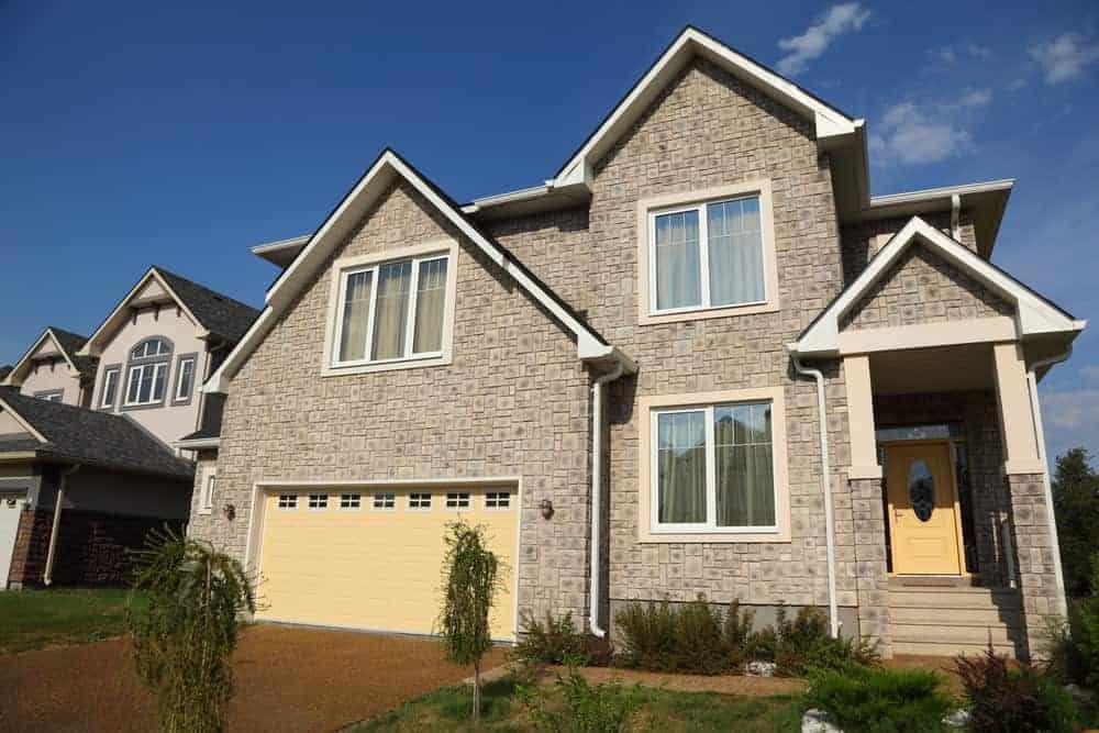 House with 2 car garage with one garage door