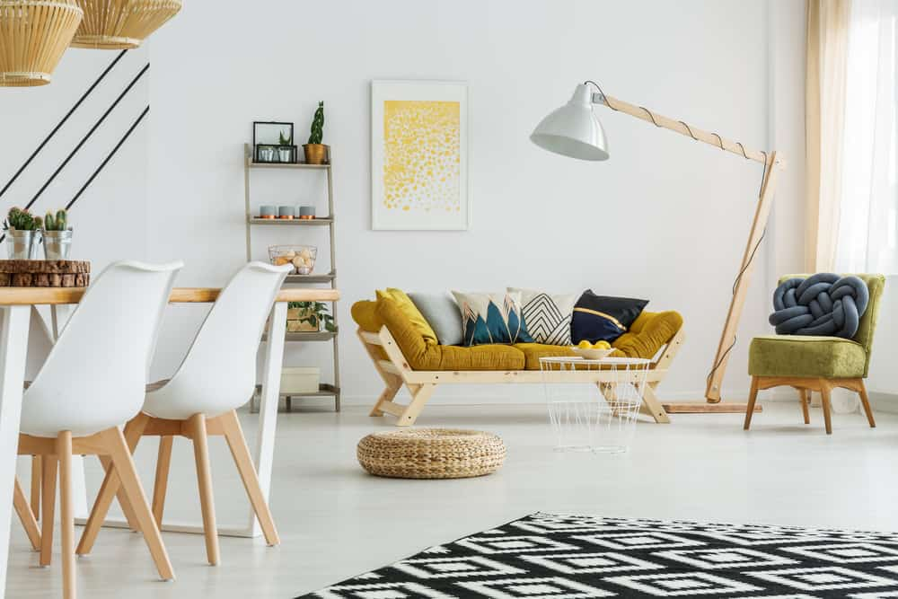 Living room with a terrific floor lamp