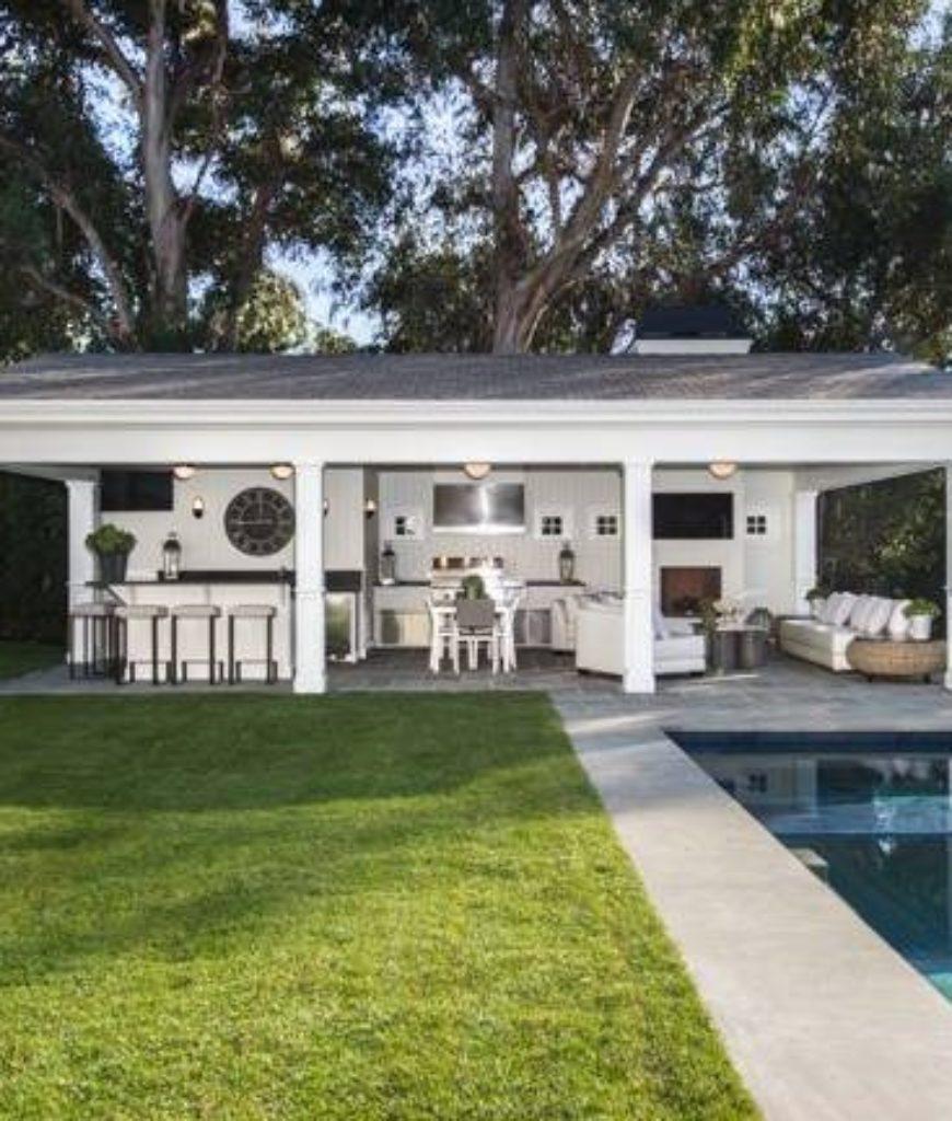 michael-strahan-mansion-pool2-tr-032318