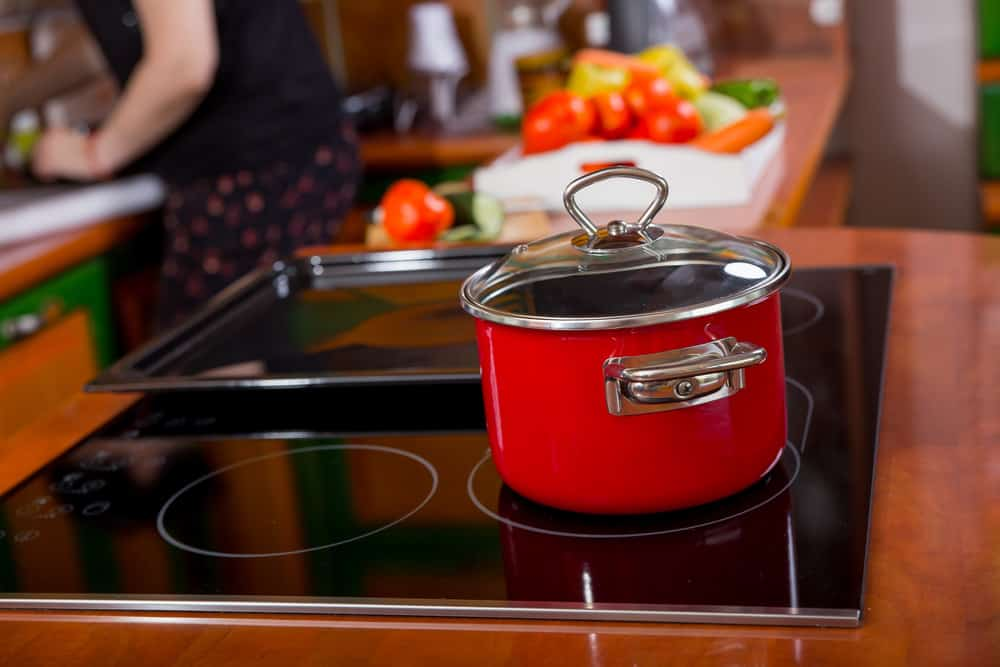Photo of a pot on induction stovetop