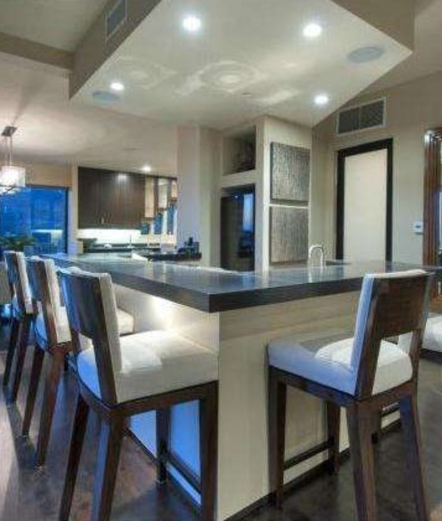 reggie-bush-estate-dining-area-tr-032318