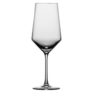 Bordeaux wine glass has a small bowl but a tall and slim stem.