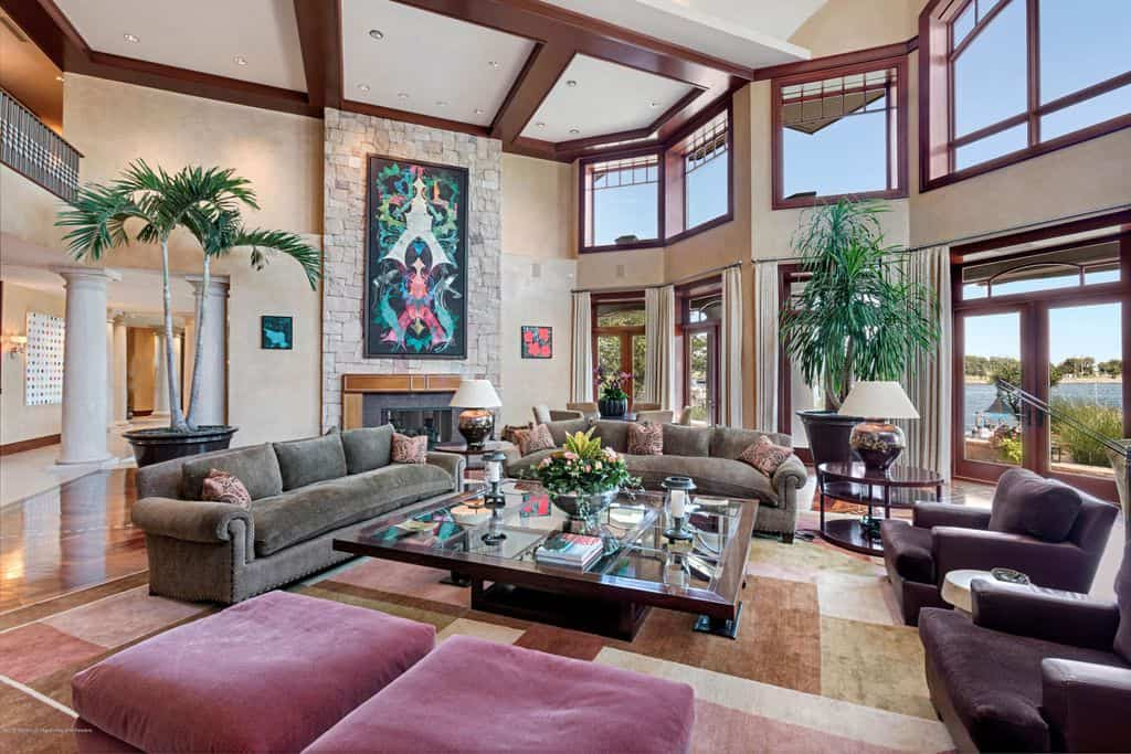 2 story family room with plenty of windows.