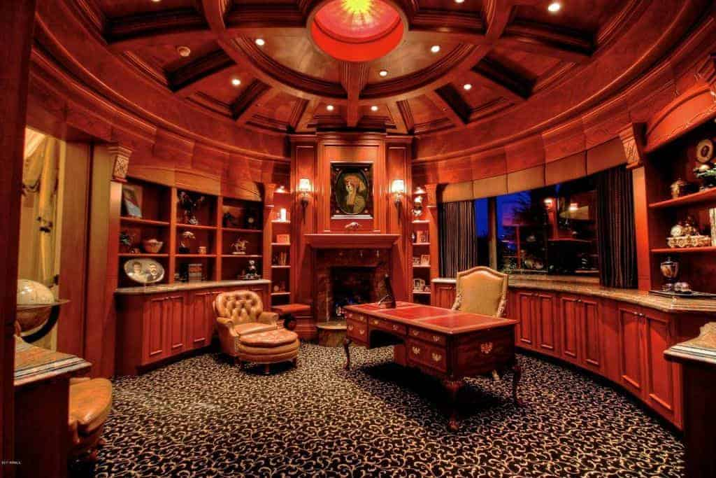 Fabulous home office.