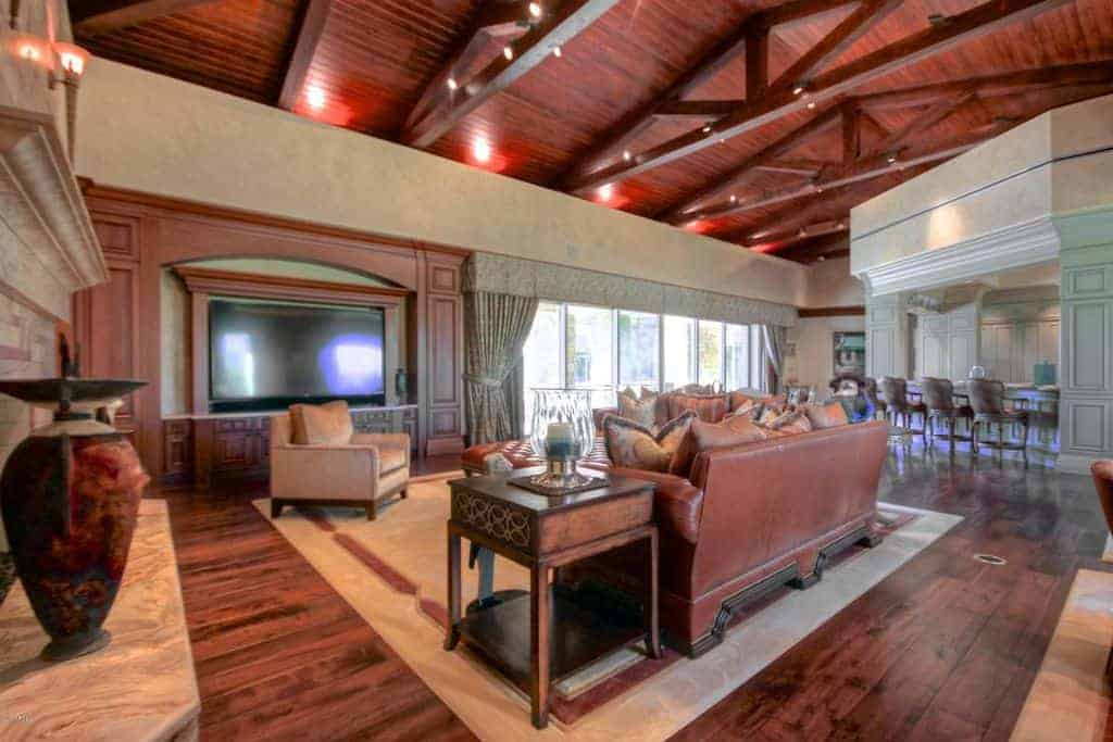 Nice large family room with soaring cathedral ceiling.
