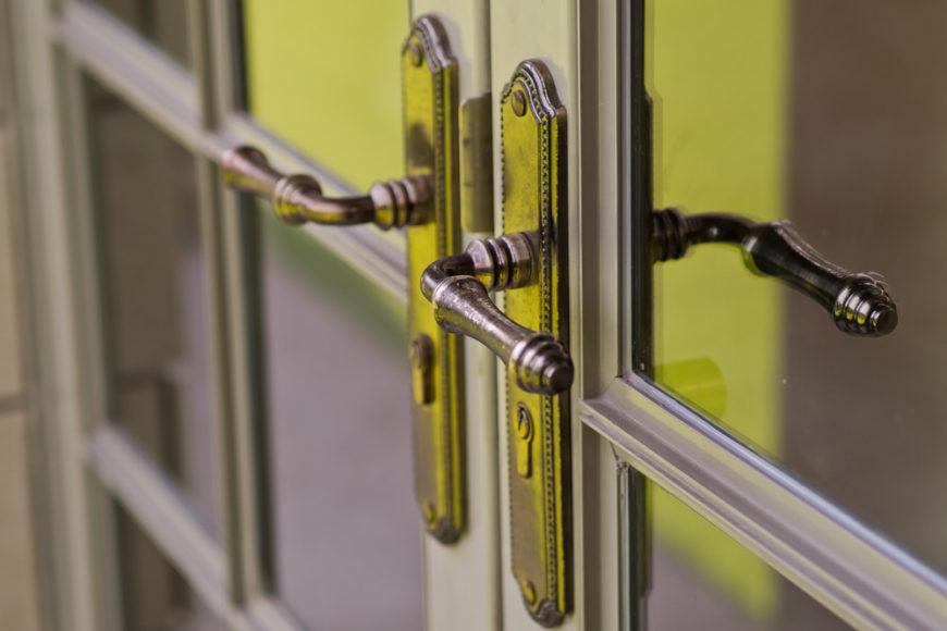 Close up photo of an elegant door knob