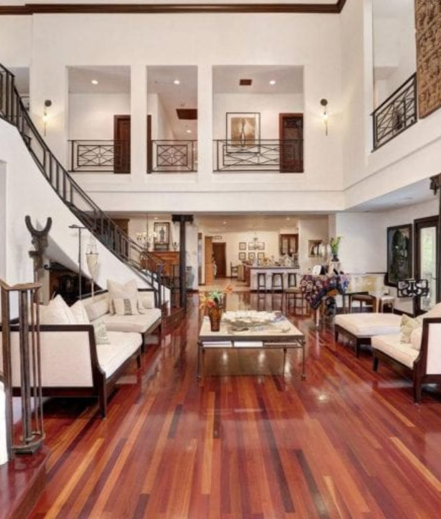 forest-whitaker-estate-living-room-tr-040218