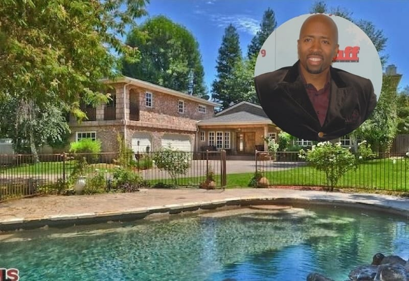 "NBA Great Kenny ""The Jet"" Smith is now selling his Encino Estate for $2,795,000."