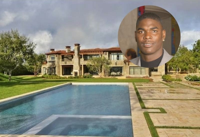 Keyshawn Johnson sells his Calabasas Mansion for $8.495M.