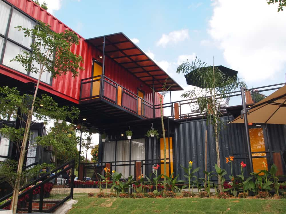 House made from shipping containers.