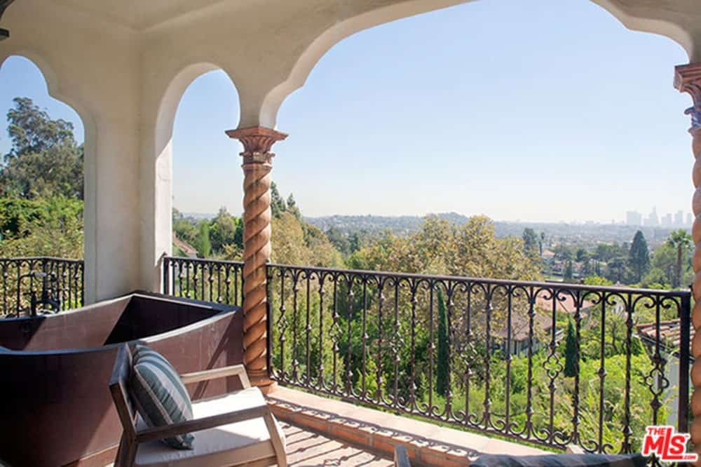 The home has another patio in the balcony overlooking the beautiful Los Feliz town.