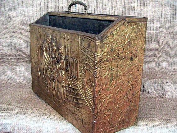 Box for magazine storage