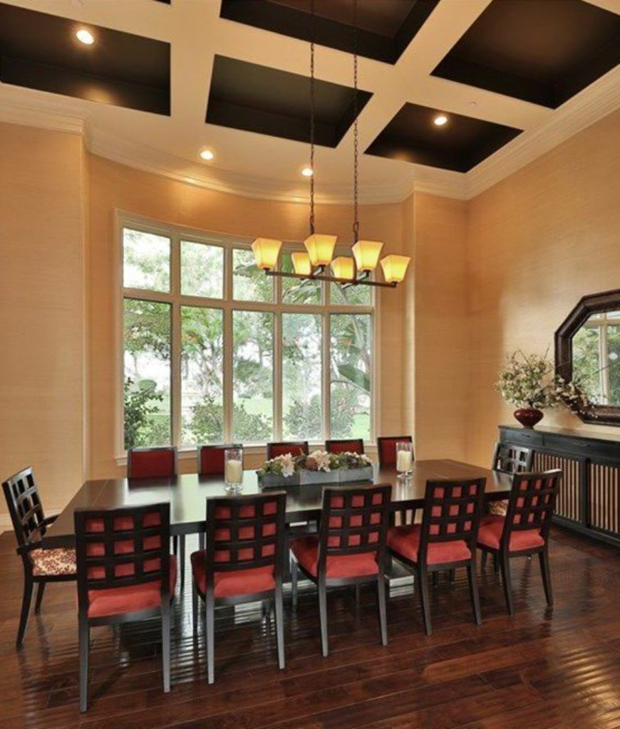 drdre-calabasas-home-dining-area-051618