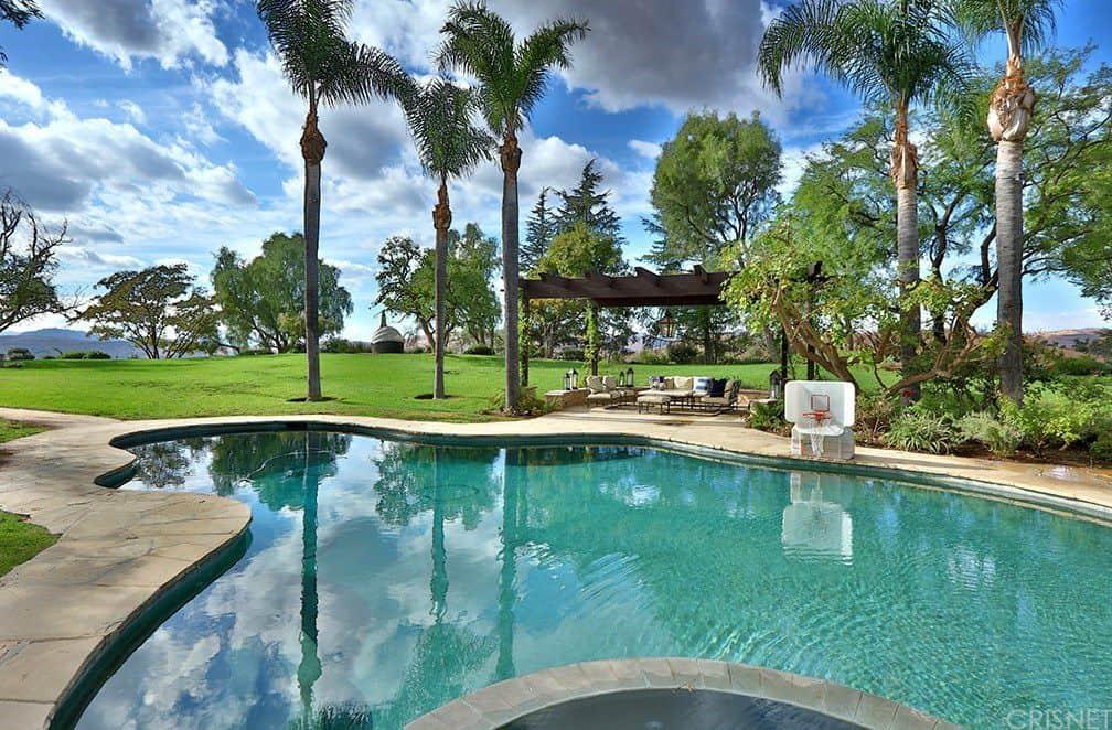 The custom shape pool mirrors the beautiful Calabasas skies.