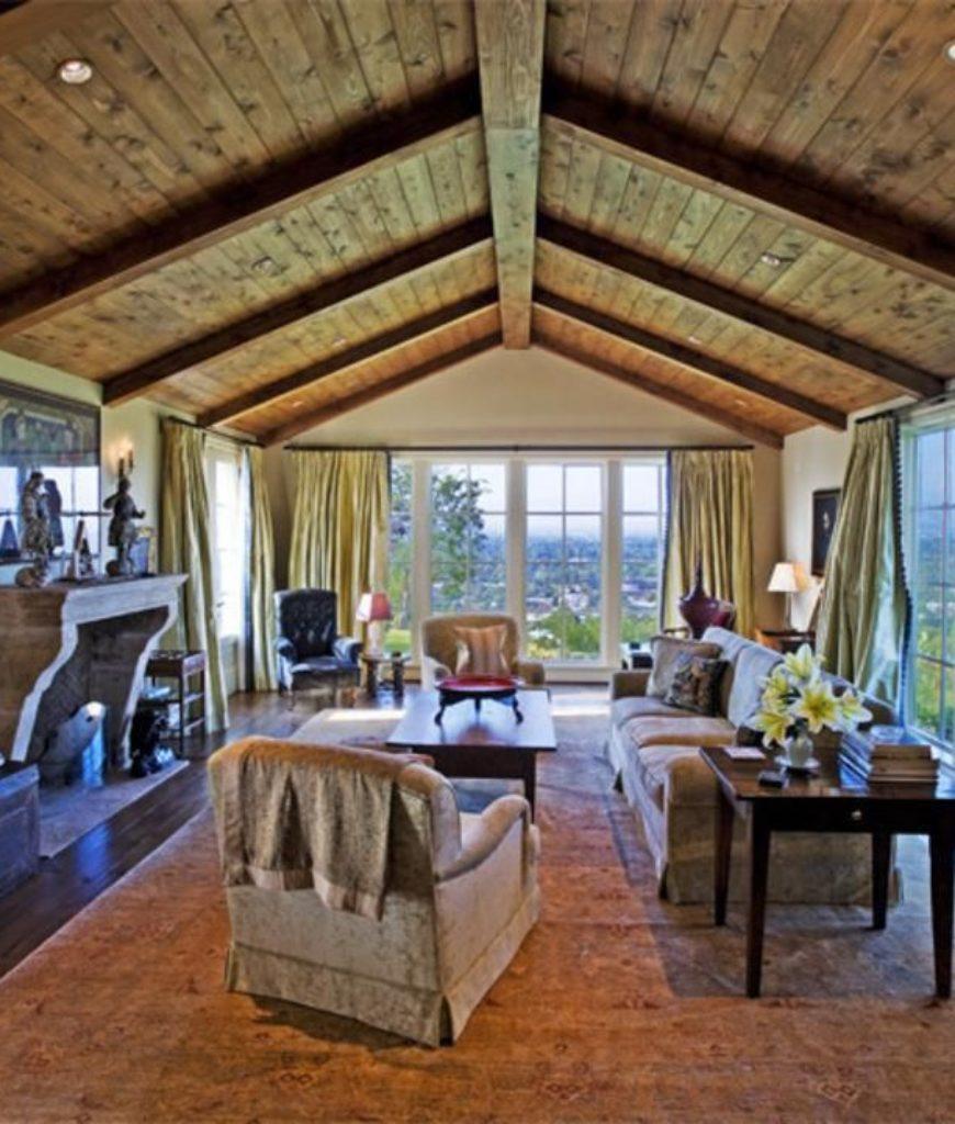 elizabeth-banks-sherman-oaks-home-living-room-052218