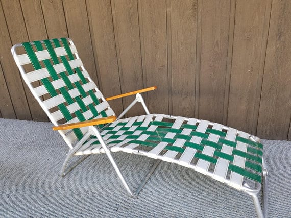 Folding lawn chair for tall people