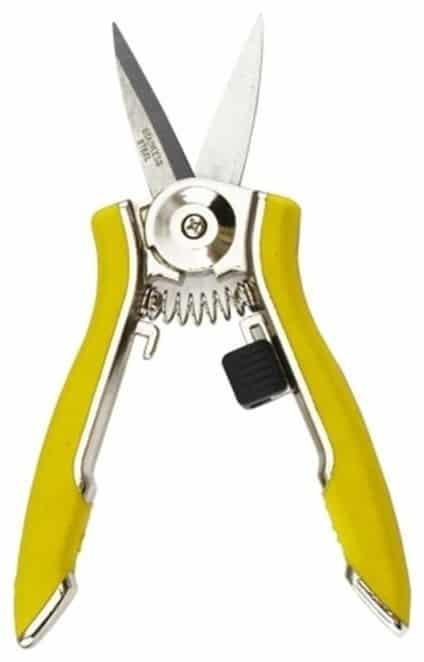 Ergonomic shears