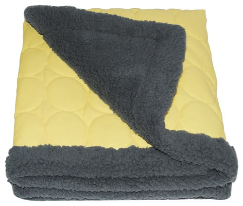 Water repellent throw
