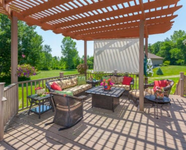 Deck pergola in backyard