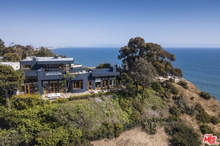 Aerial view of Tyra Banks' Pacific Palisades property.
