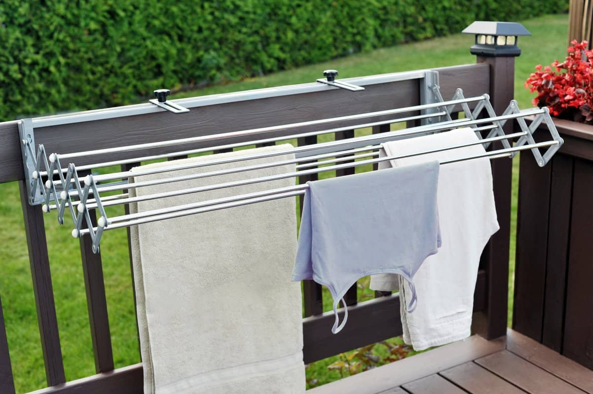 Outdoor clothing drying rack