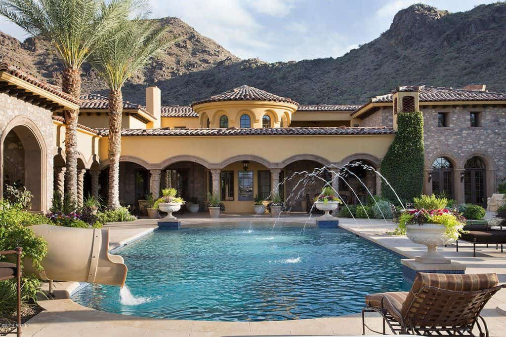 Huge backyard desert swimming pool.