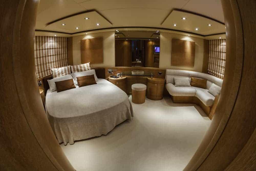 78 ft. Yacht primary bedroom
