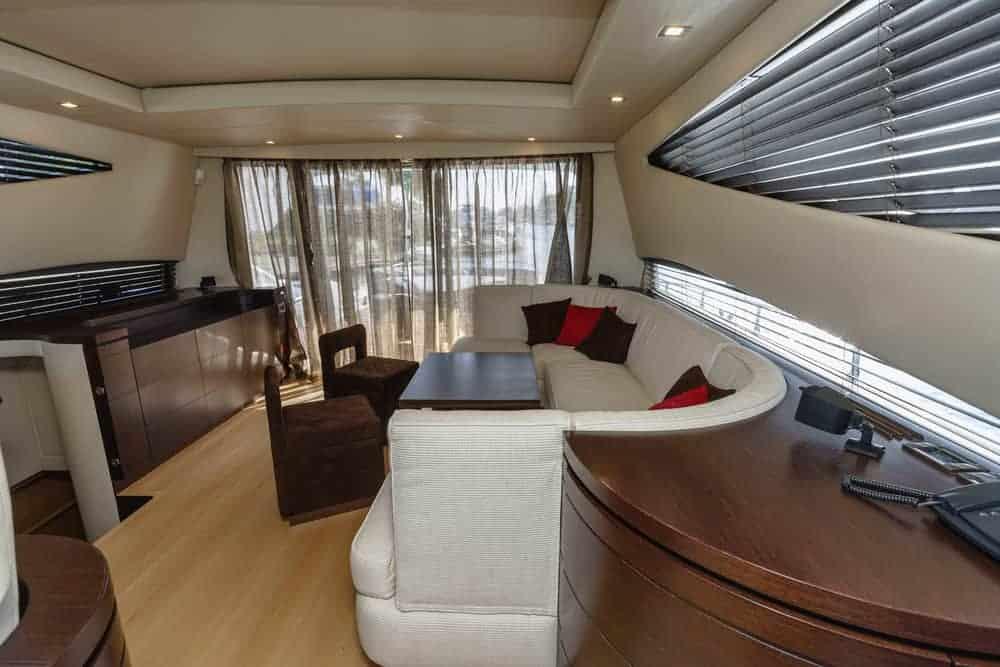 Alfamarine 72 luxury yacht dining area