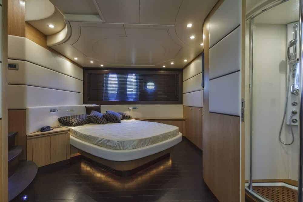 Alfamarine 72 luxury yacht primary bedroom