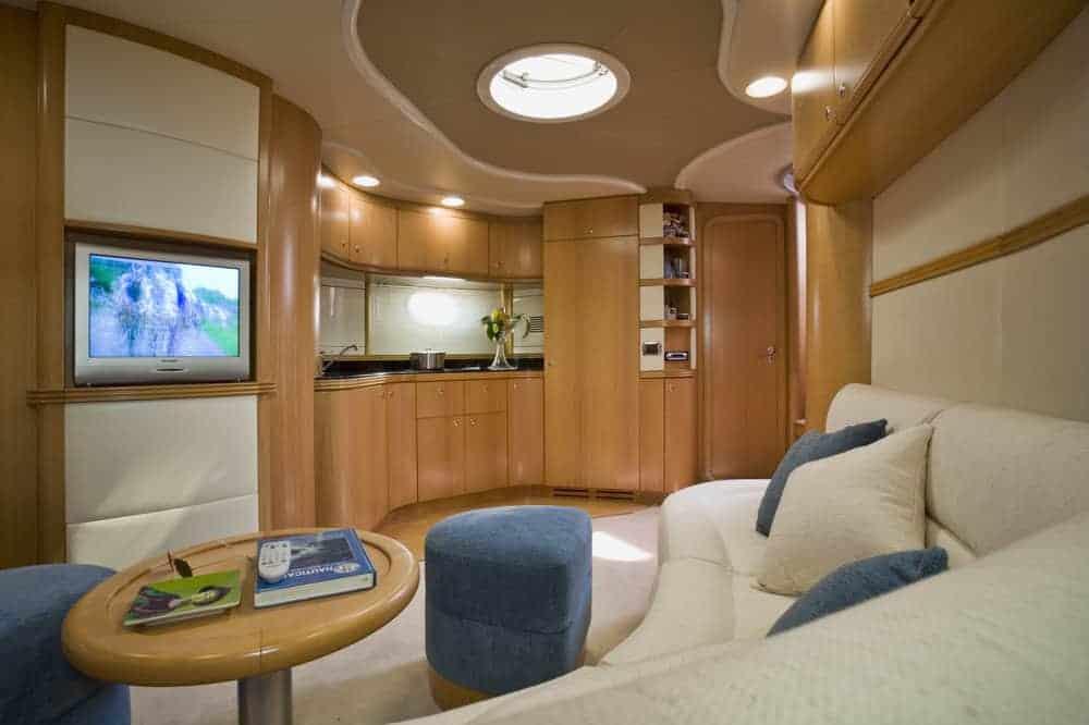 Aqua 54 lounge salon with TV