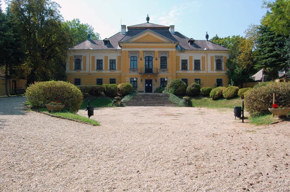 De la Motte Mansion
